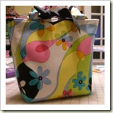Basic Purse from Creative Little Daisy | 45 Awesome Free Bag Tutorials | Frugal and Thriving