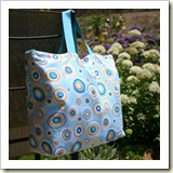 Easy Lined Tote from Not So Fancy Nancy | 45 Awesome Free Bag Tutorials | Frual and Thriving