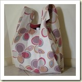 Lined Grocery Bag from Craftster | 45 Awesome Free Bag Tutorials | Frugal and Thriving