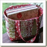 Quilted Tote from PS I Quilt | 45 Awesome Free Bag Tutorials | Frugal and Thriving