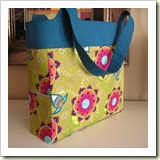 Tote Bag from Kerri Made | 45 Awesome Free Bag Tutorials | Frugal and Thriving